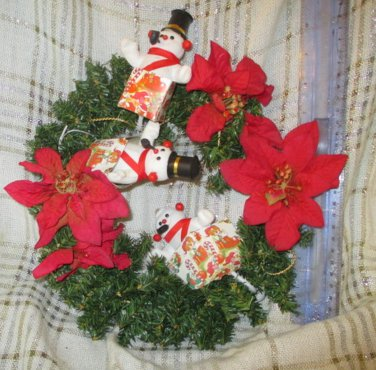 Vintage Christmas Wreath Bottle Brush Flocked Snowman Presents Pointsetta Holiday Decor