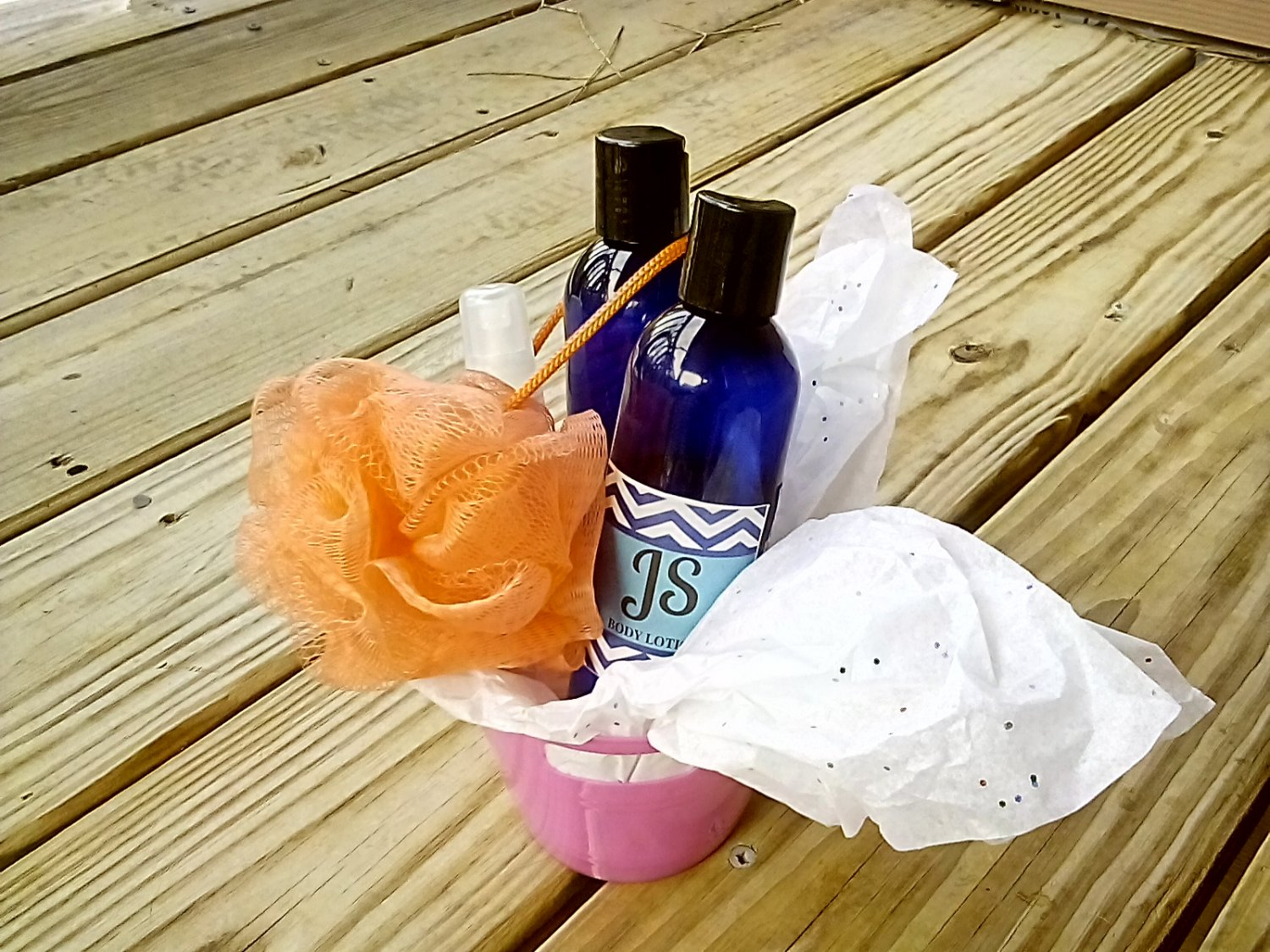 """JS Body & Soul """"Lady of Faith"""" Spa Gift Set--FREE 6oz Candle with Purchase!"""