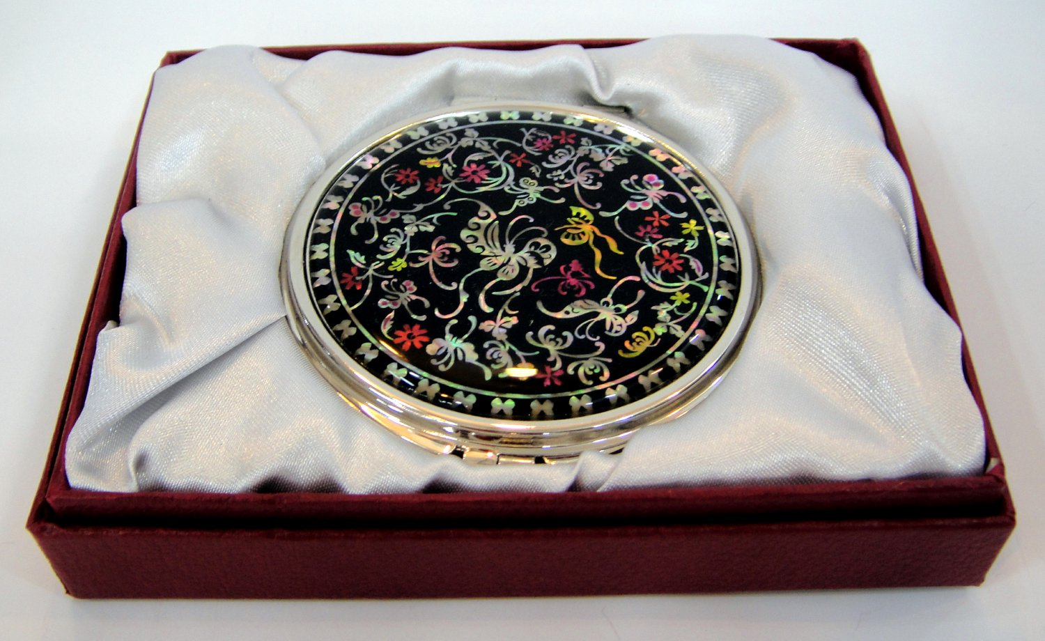mother of pearl lacquered pretty cosmetic hand mirror b16