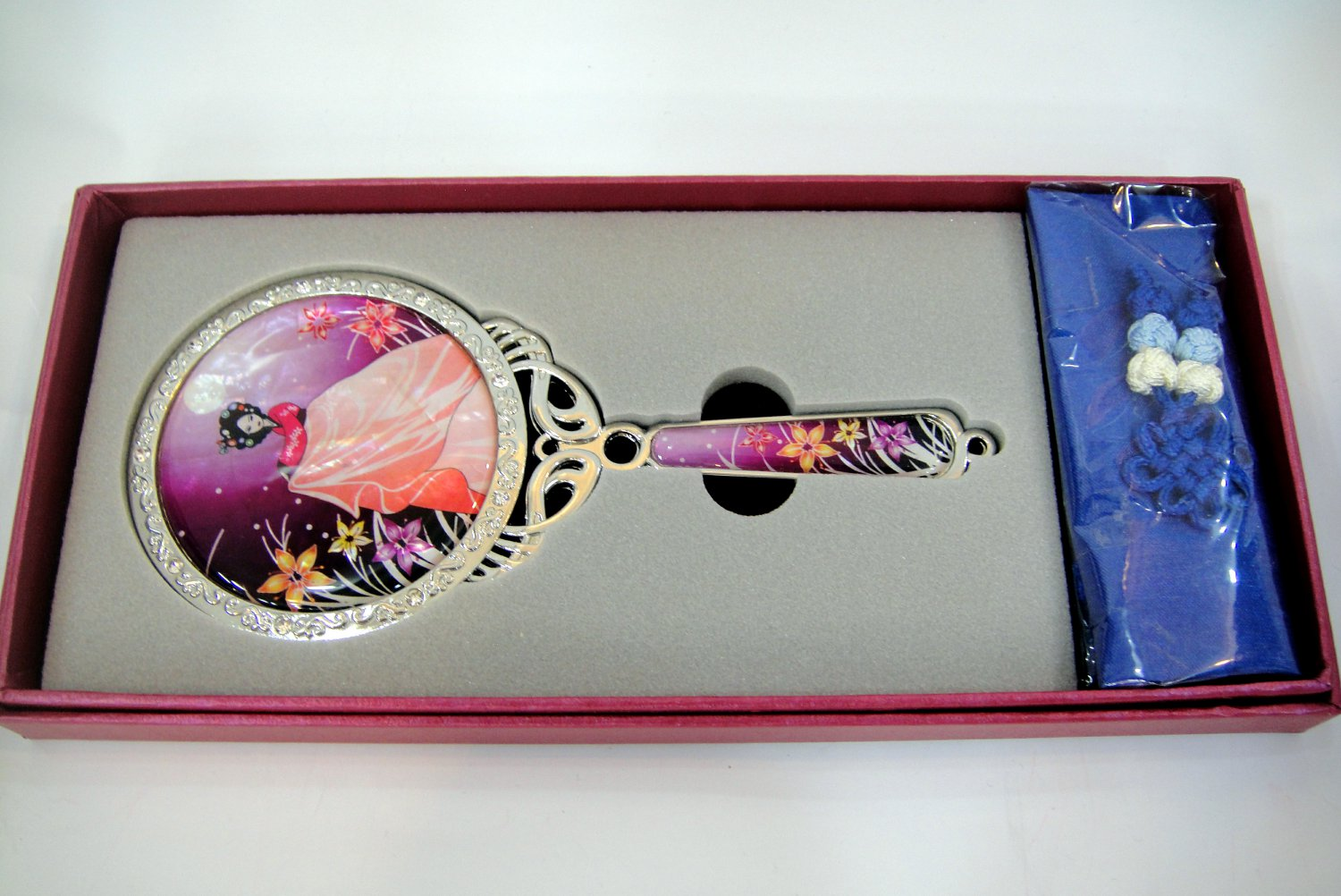cosmetic long hand mirror mother of pearl lacquered crystal cubic c7