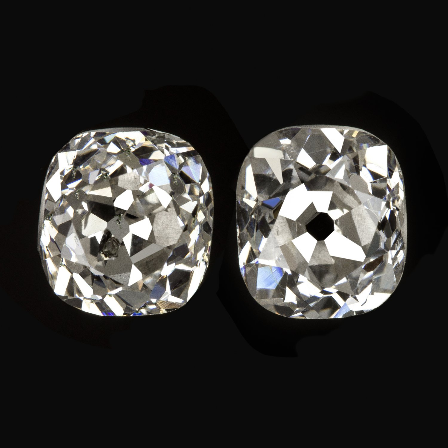 1.40ct VINTAGE OLD MINE CUSHION CUT DIAMOND STUD EARRING ANTIQUE GREEN INCLUSION