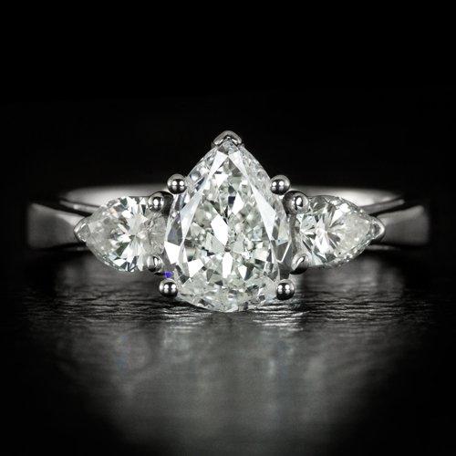1.50ct E SI1 PEAR SHAPE CUT DIAMOND EGL-USA CERTIFIED 3 STONE ENGAGEMENT RING