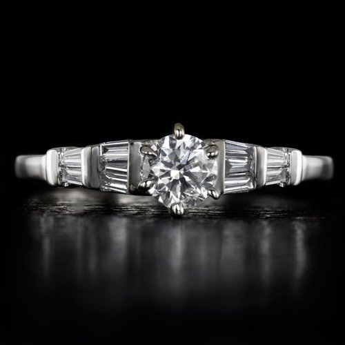 1/2CT ROUND DIAMOND ENGAGEMENT RING G VS CENTER 18K WHITE GOLD BAGUETTE COCKTAIL