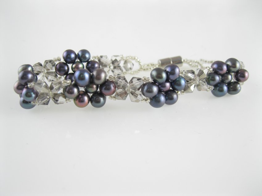 freshwater cultured black pearl and crystal bracelet with magnetic clasp,00528SC
