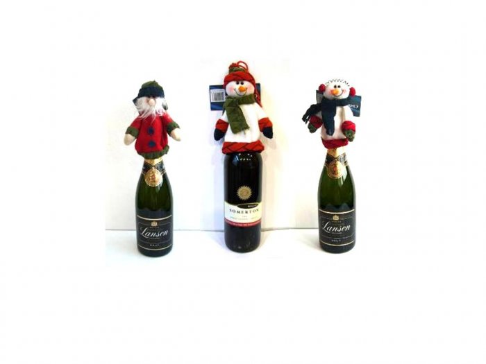 Snowman with figurines for wine