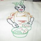 BLACK AMERICANA  VINTAGE FEEDSACK CUPTOWEL  LADY COOKING EGGS VINTAGE 1946.
