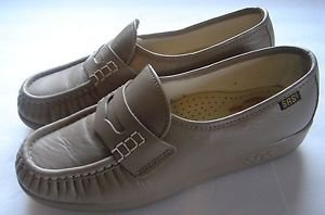 SAS Leather Handsewn Soft Step Heel Penny Loafers Shoes Beige Tan Womens 6M