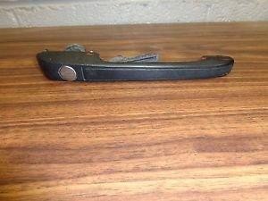 85 PORSCHE 944 EXTERIOR LEFT DRIVER SIDE DOOR HANDLE OEM