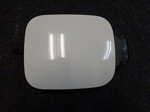 98 99 00 01 02 03 04 05 BEETLE FUEL DOOR GAS LID COVER PANEL TRIM WHITE