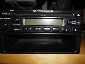 02 03 04 05 Kia Sedona Radio Am Fm Radio Cd 0K52Y 66 860 0K52Y66860