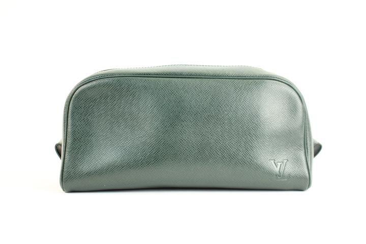 Louis Vuitton Episea Taiga Ivan Trousse 10LVA2617