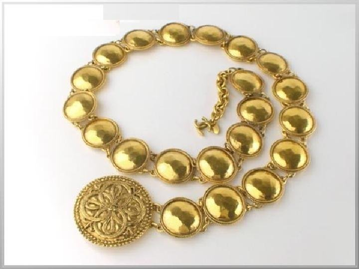 Chanel Medallion Necklace 214397