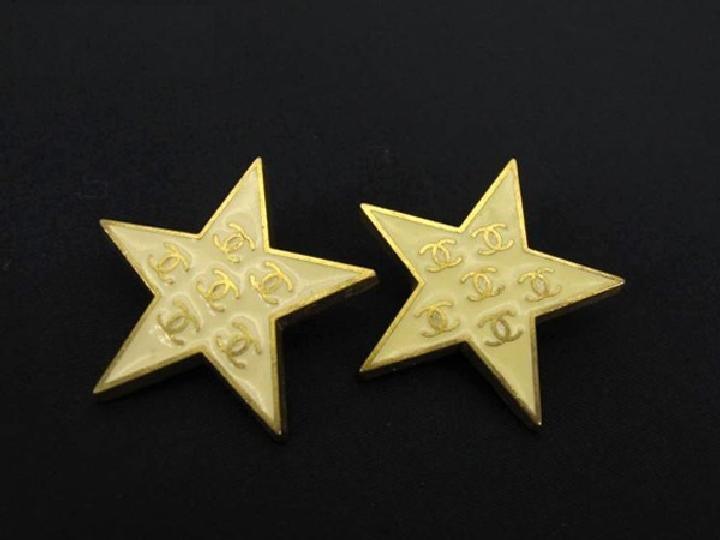 Chanel CC Star Earrings 211136