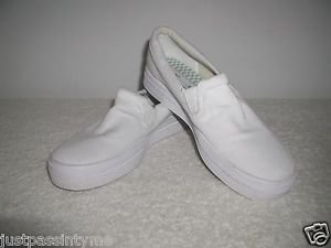Keds Original  Womens White Canvas  Slip-On Sneaker Size 8