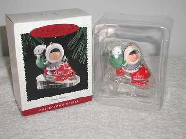 Hallmark Keepsake FROSTY FRIENDS 1995 Christmas Holiday Ornament  NIB