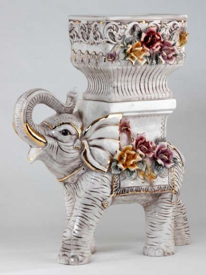 Capodimonte Reproduction Elephant Planter Set