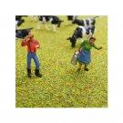 00 / HO Gauge Farmer and Farmer's Wife Figures - Pack of 2