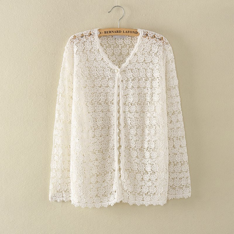 White crochet lace cardigan  flower pattern one button  S/M