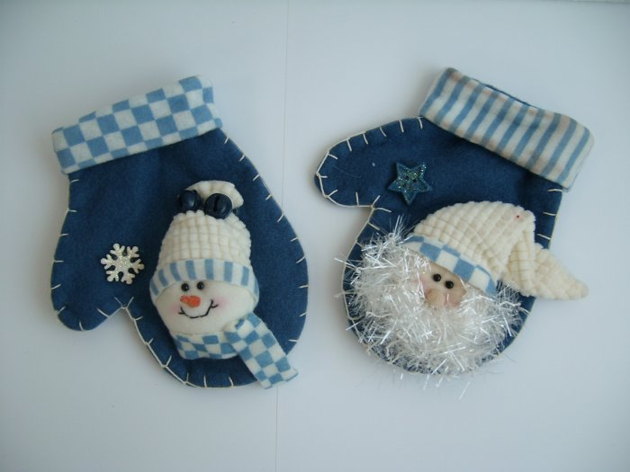 Blue christmas gloves