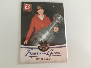Justin Bieber 2010 Panini Celebrity Music Fans Of The Game INSERT Card #3