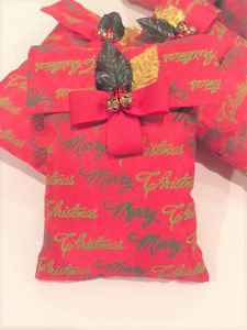 """Pleasant Scented Christmas Gift; Lavender Sachet with """"Merry Christmas"""" print"""