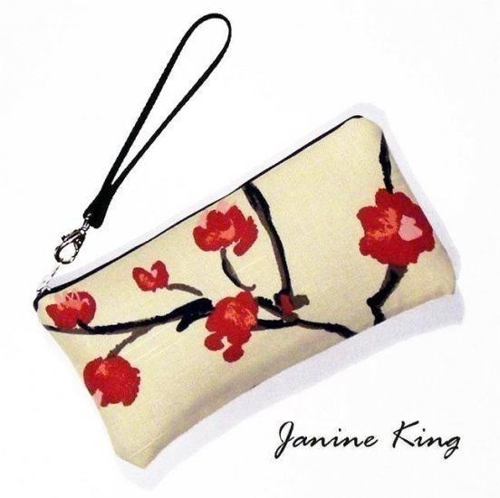 Large Wristlet purse clutch bag padded protects gadgets eca1