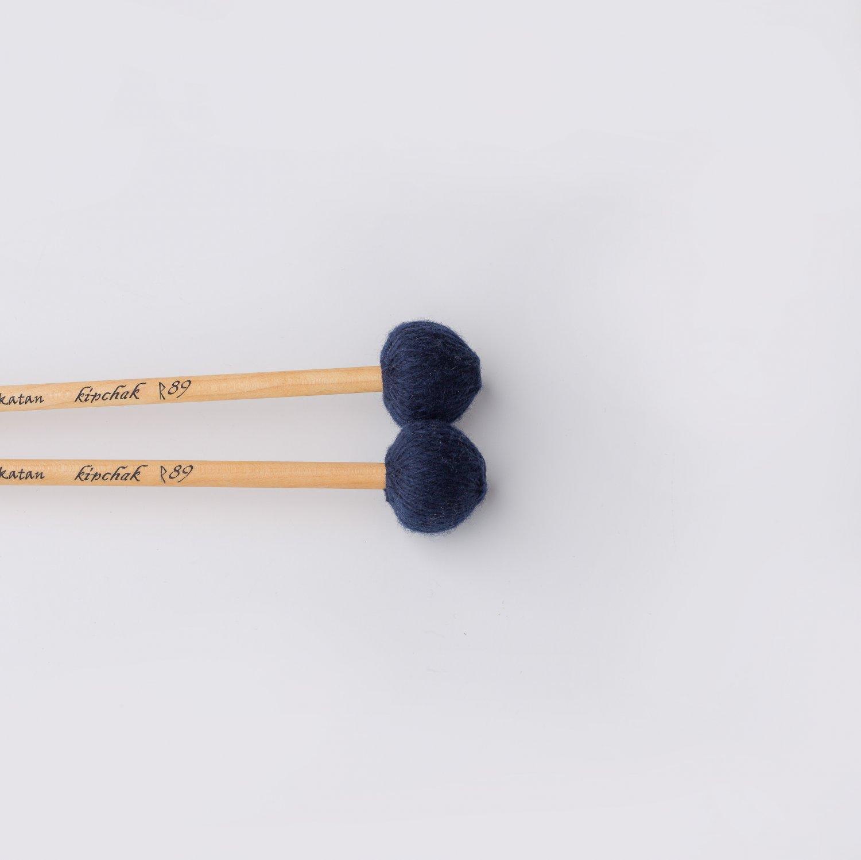 Ashkatan Kipchak R89 Medium Hard Marimba Mallets - Maple Handle, Blue Yarn