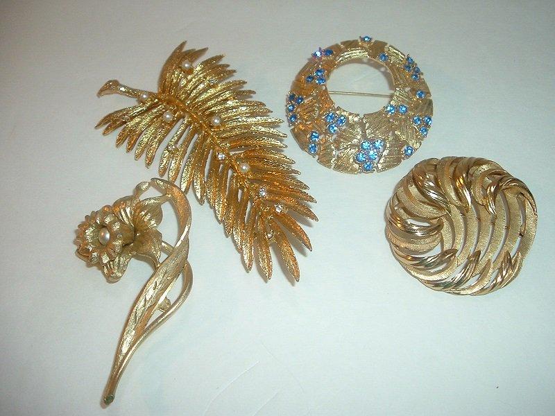 4 Vintage Goldtone Pins Trifari Judy Lee Mamselle Free US Shipping