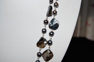 Peacock Single Strand pearl with shell N1144