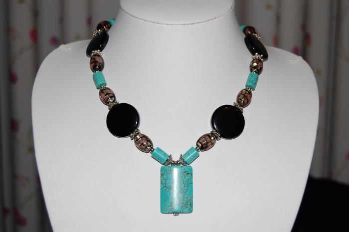 Turquoise and Bead necklace N1155
