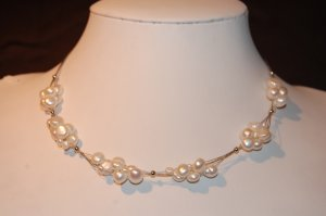 Bunches of pearl of wire White N1165