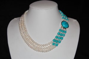 3 strand round pearls w turquoise N1083-2
