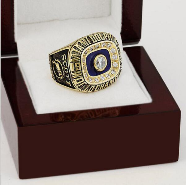 1972 Miami Dolphins NFL Super Bowl Championship Ring 10-13 size with cherry wooden case