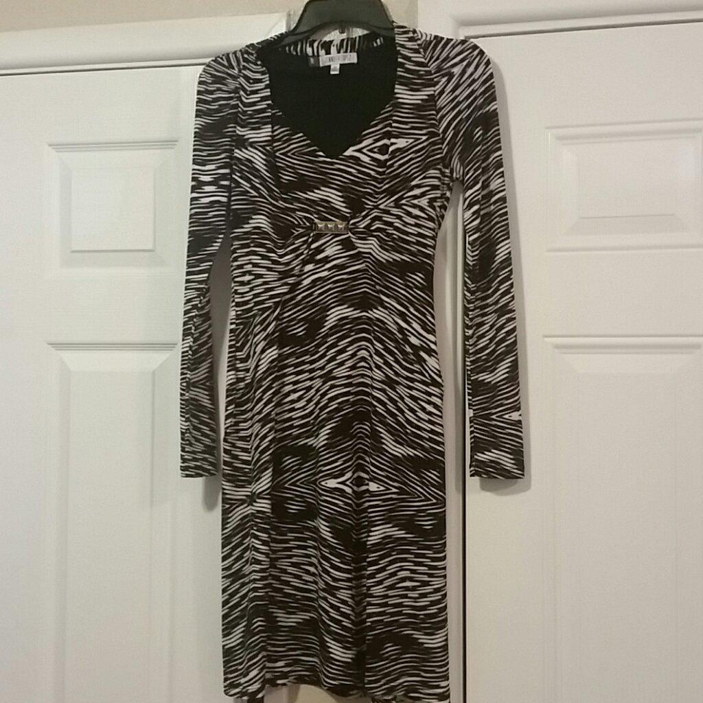 Pre-Owned Designer Dress By Jennifer Lopez xs.