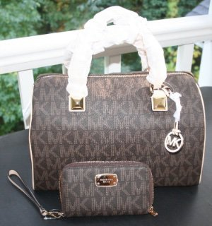 NWT~Michael Kors LARGE MK Signature PVC Satchel/Crossbody and Wristlet(BROWN)