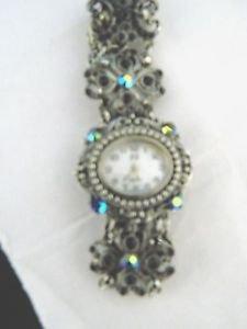 Ladies Costum Jewelry Bracelet Style Watch