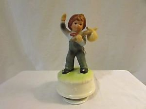 Willetts Music Box Figure Boy With Hobo Stick Plays It's a Small World, Japan