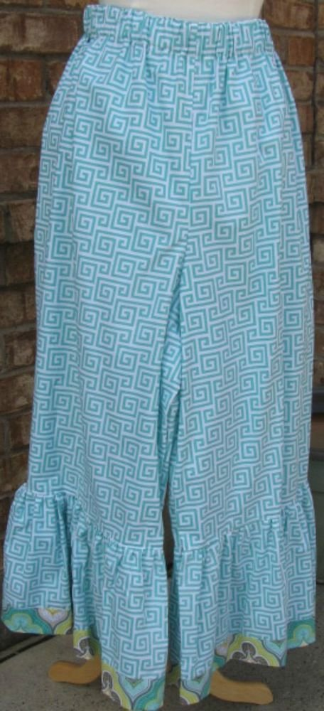 Classy Sassy Couture ladies turquoise and white chevron print bloomer pants