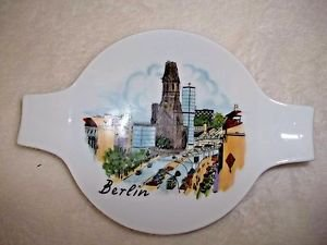 Berlin Porcelain Smoking Tray Ashtray Souvenir White Teabag Holder