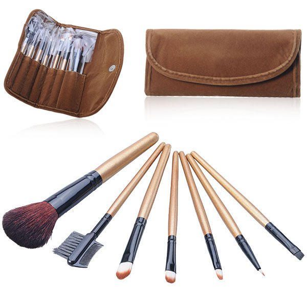 7 pcs Makeup Brushes Set Tools Pro Foundation Eye shadow Eyeliner Superior Soft with a Carry bag