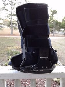 Bledsoe Air Walking Boot Size Large Midcalf