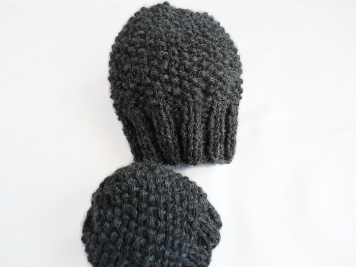 Baby boy hat and mittens