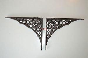 Pair of Gothic Revival cast iron shelf brackets wall bracket shelving AL32
