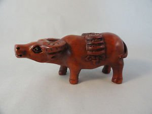BEAUTIFUL HAND CARVED WOODEN BOXWOOD NETSUKE LUCKY COW FB8