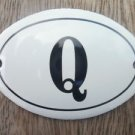 SMALL ANTIQUE STYLE ENAMEL DOOR LETTER Q SIGN PLAQUE HOUSE FLAT FURNITURE LETTER