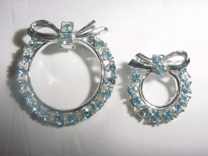 Two Matching VINTAGE Blue RHINESTONE Brooches Pins FREE SHIPPING