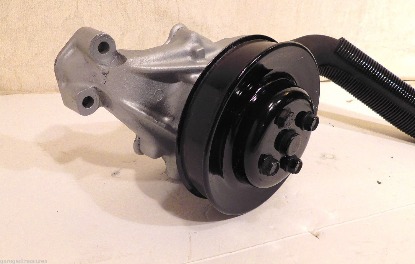 84 Corvette Complete water pump w pulley and Hose