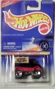 Hot Wheels Street Beast Mercedez Benz Unimog 1:64 scale Die cast car