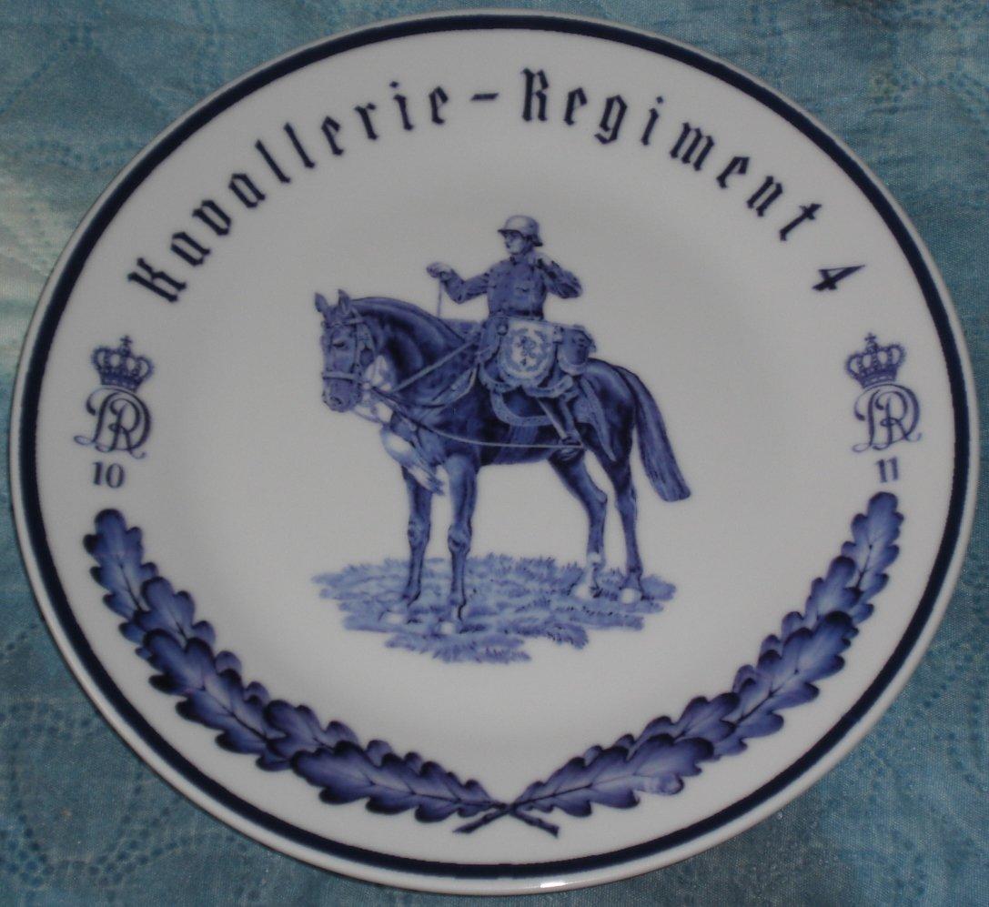 Porcelain regimental plate with underglaze pattern. Cavalry. Wehrmacht. Meissen.