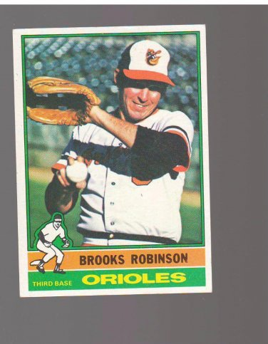 1976 Topps #95 Brooks Robinson Team: Baltimore Orioles